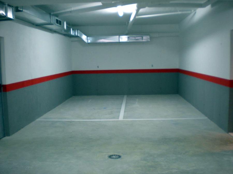 Sant pere ideas parquetistas for Pintura suelo parking
