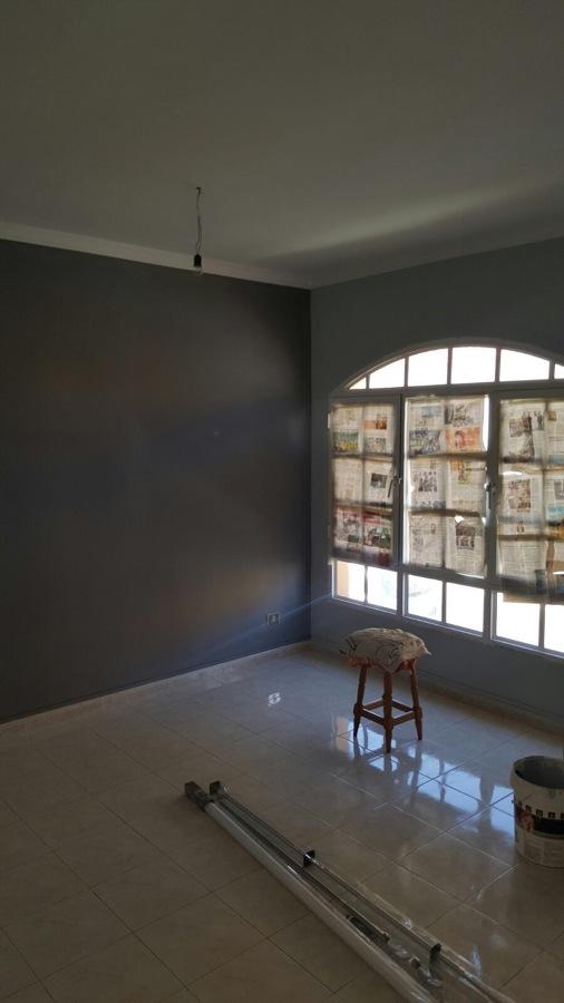 Pintura sal n alisado de paredes dos tonalidades ideas - Pintura pared salon ...