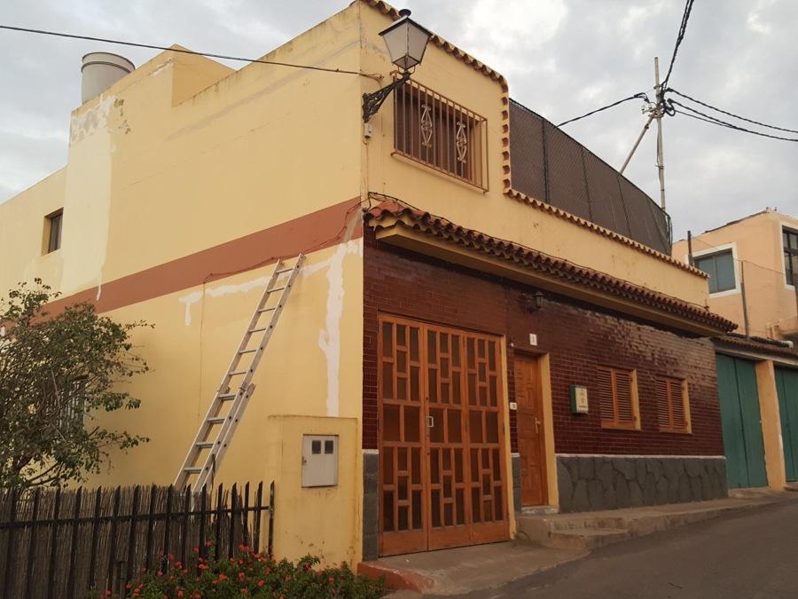 Pintura y revestimiento de exterior fachada ideas pintores - Pintura fachada exterior ...