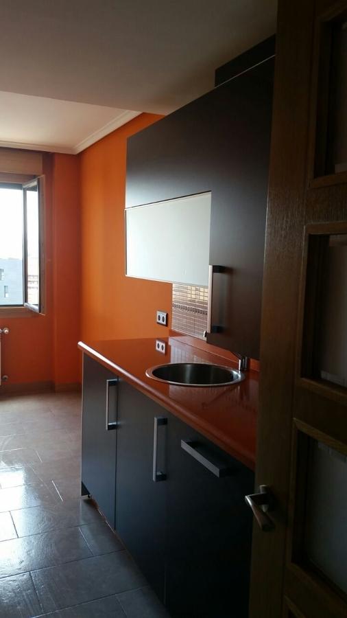 Pintura en paredes de una cocina en madrid ideas - Pintura paredes cocina ...
