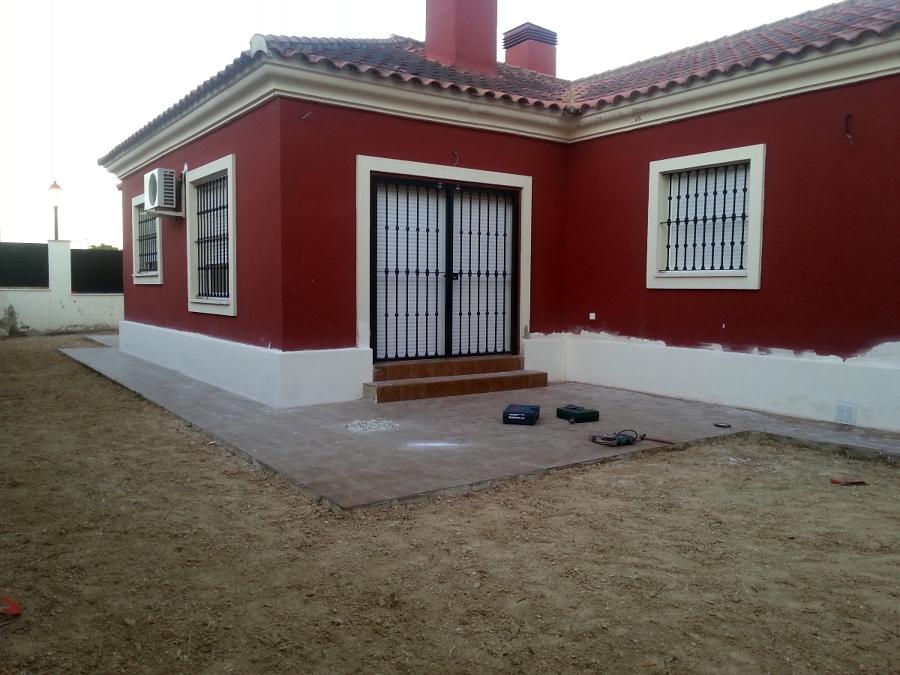 Pinturas chalet exterior ideas pintores - Pinturas para fachadas exteriores fotos ...