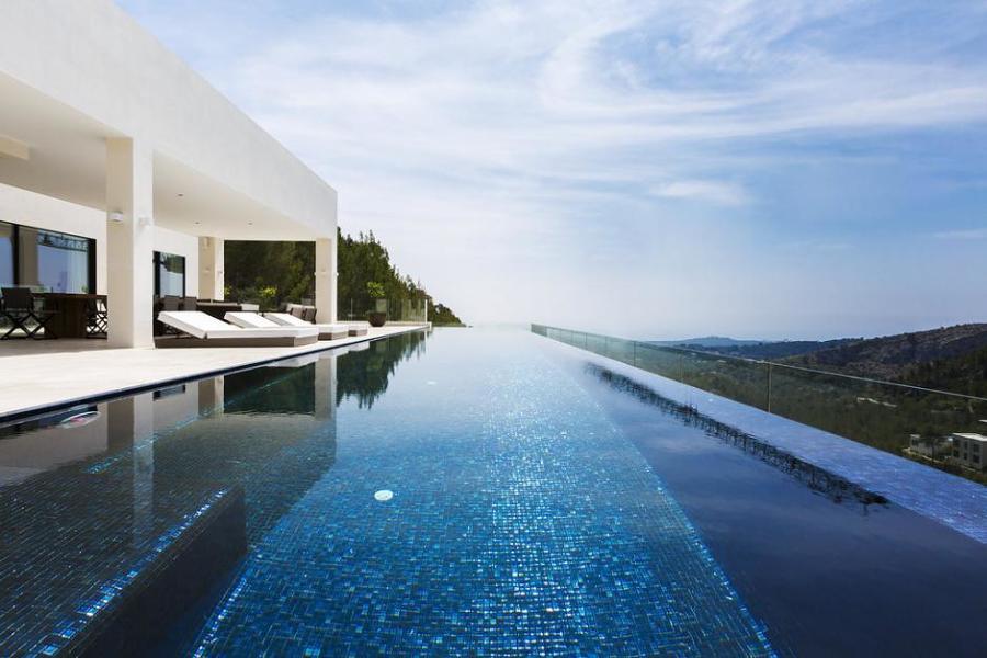 Una vivienda de lujo en son vida mallorca ideas - Arquitectos mallorca ...