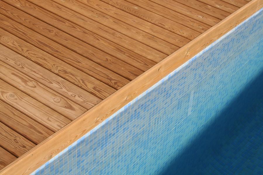 Tarima de exterior autoclave ideas tejados for Tejados de madera para exterior