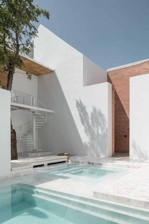 piscina blanca