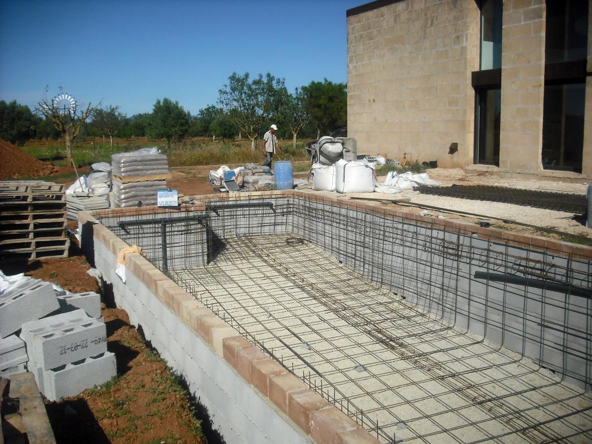 Piscina campos ideas construcci n piscinas for Construccion de piscinas en granada