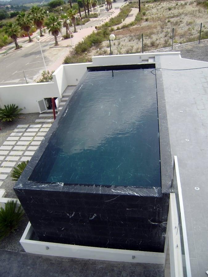 Revestimiento de piscina con m rmol ideas marmolistas for Costo de una alberca de concreto