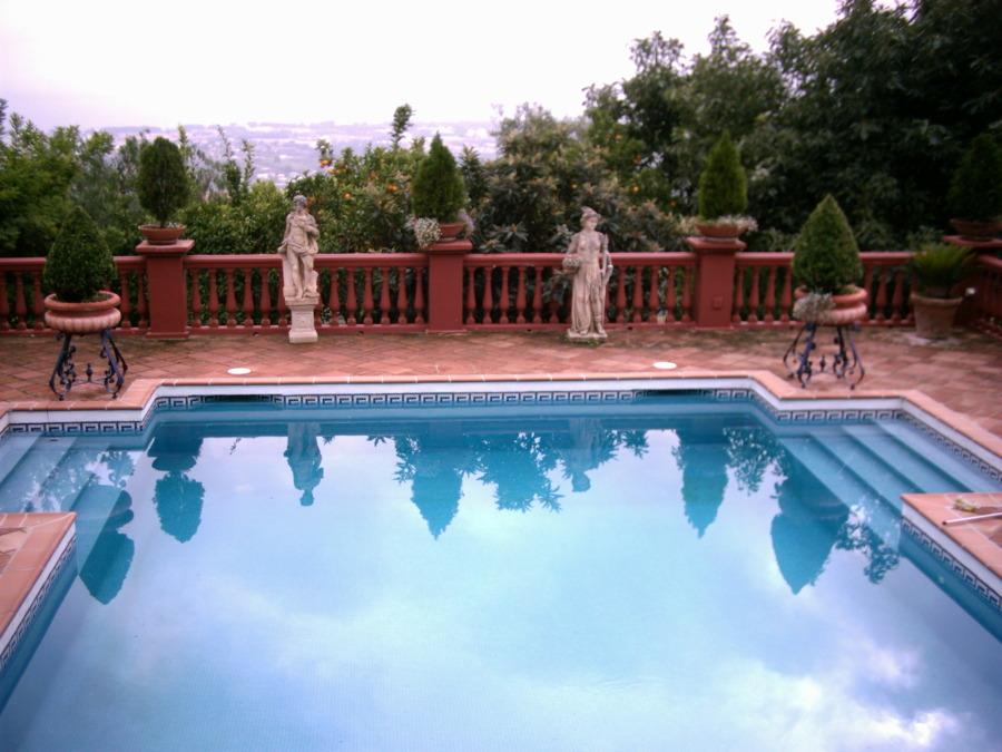 Foto piscina climatizada de techniclima victoria s l u for Piscina climatizada teruel