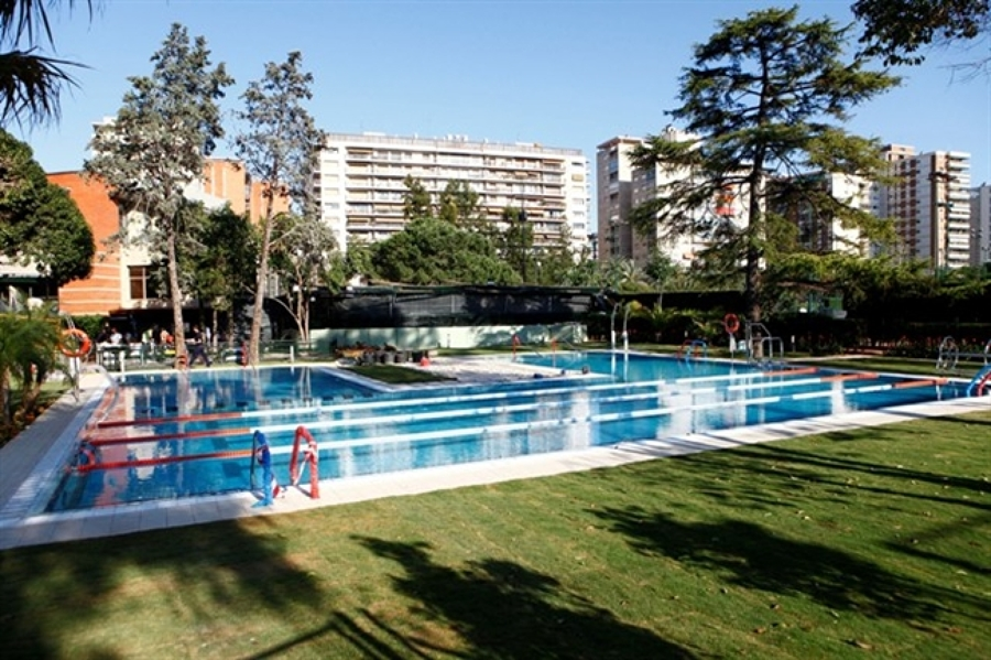 Piscina club de tenis en valencia ideas construcci n for Construccion de piscinas en valencia