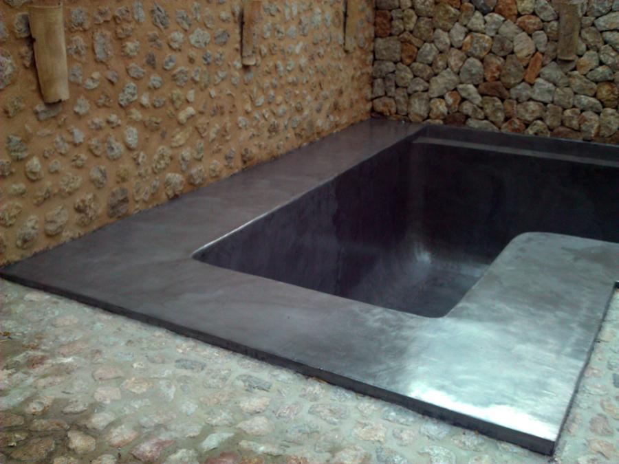 piscina con microcemento gris acero (despues)