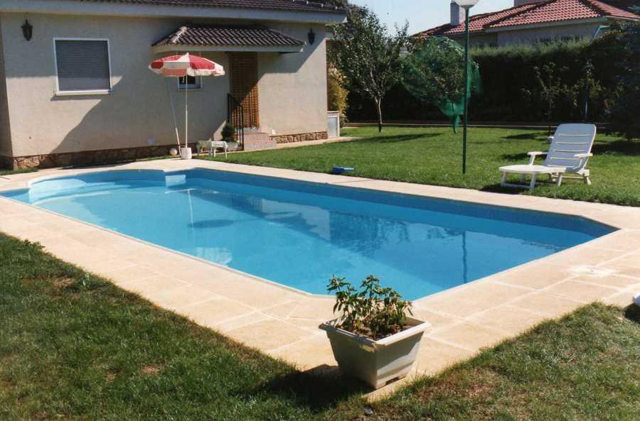 Foto piscina confort 750 de piscinas dama 1055457 for Piscinas cubiertas en granada