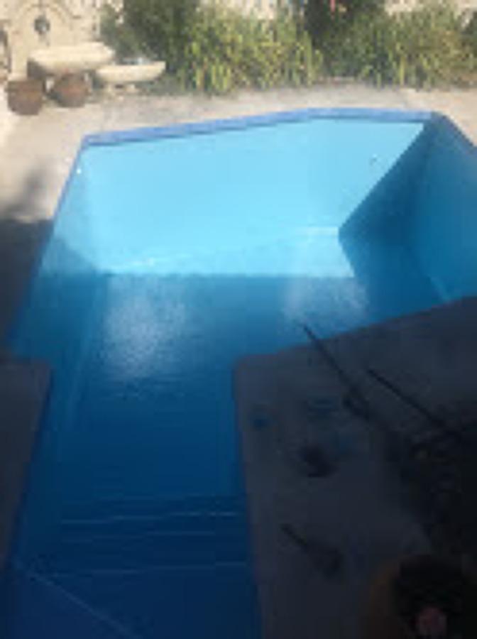 piscina de gresite fibrada por fugas