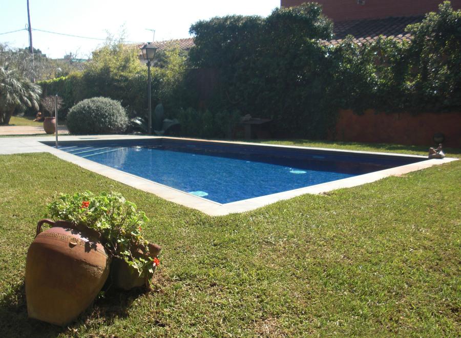 piscina en castelldefels agua salada ideas decoradores
