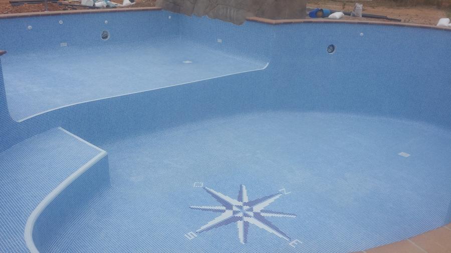 piscina en construccion