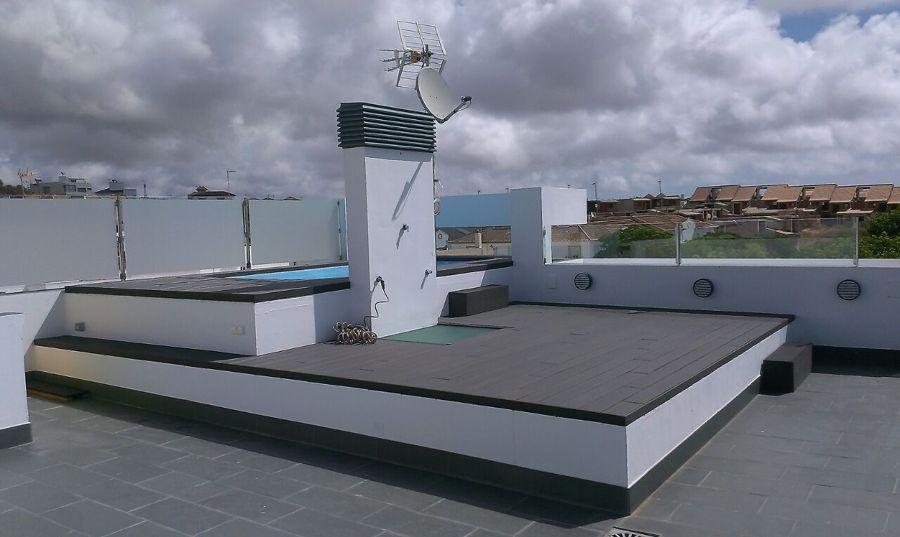 Foto piscina en cubierta de arquitecto ra l vela 736204 for Piscina cubierta zaragoza