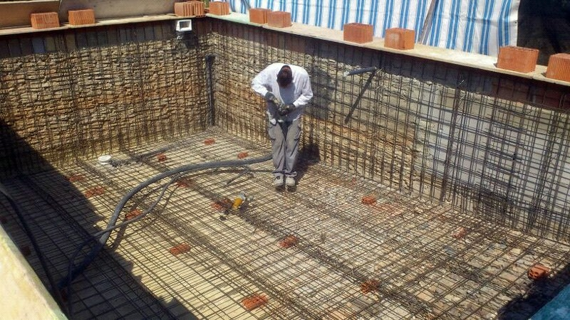 Foto piscina en ejecuci n de doninter s l 319130 for Construccion de piscinas en malaga