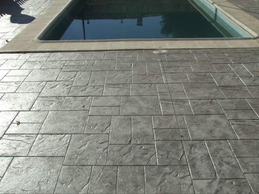 Foto piscina y suelo de hormigon impreso i pulido for Hormigon impreso para piscinas