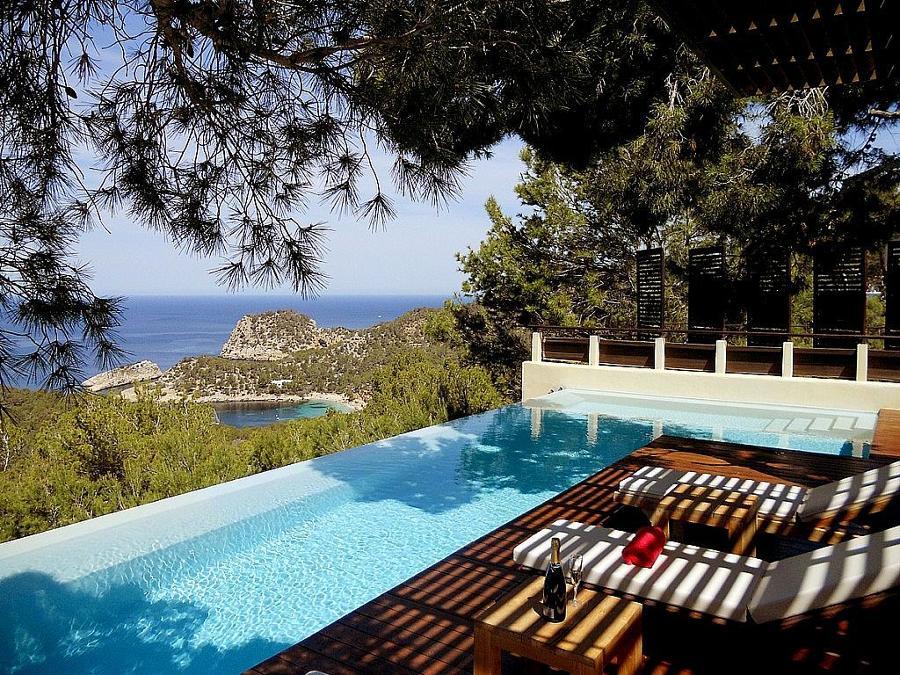 piscinas infinitas para fundirse con el horizonte ideas ForPiscina Infinita Construccion