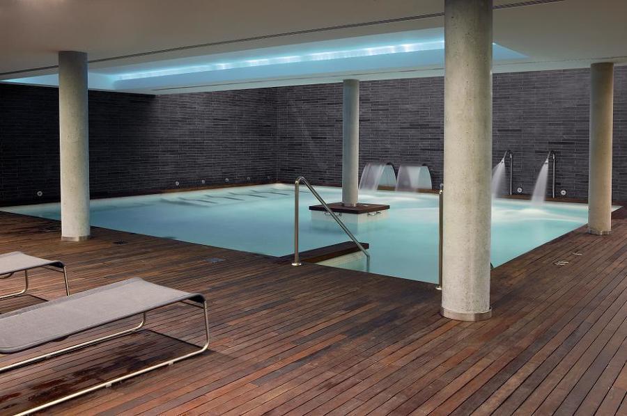 Balneario tyris en valencia ideas construcci n piscinas for Construccion piscinas valencia
