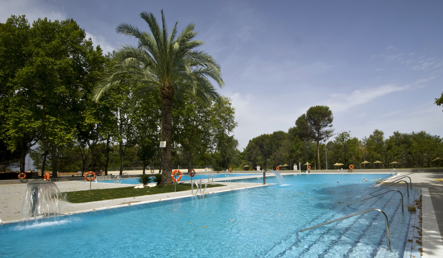 Foto piscina municipal montilla c rdoba de aryon for Piscina municipal girona