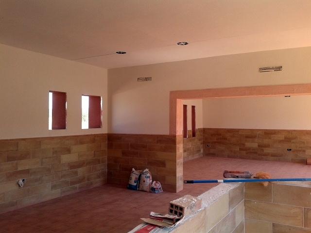 Foto piscina municipal restaurante de ig2 arquitectura for Piscina municipal lugo