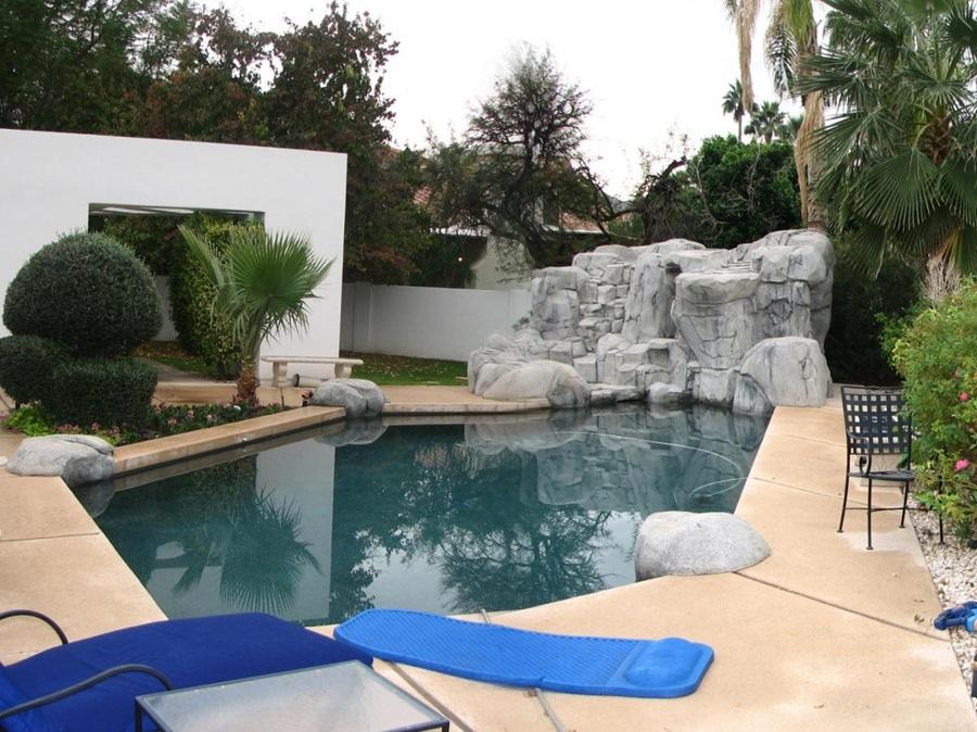 piscina pasada de moda