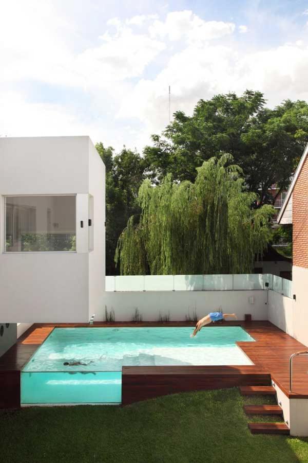 piscina con teka