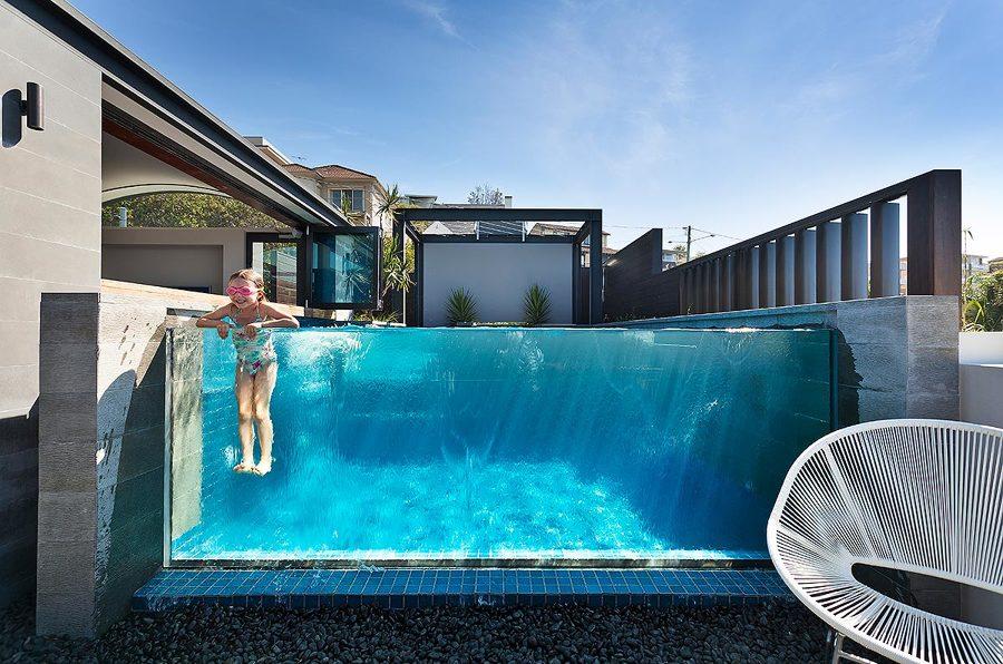 Foto piscina vidrio de miriam mart 1481978 habitissimo - Piscina arabial granada precios ...