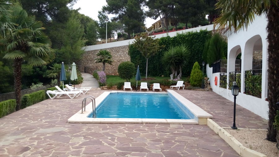 Mantenimiento de jardines y piscinas ideas mantenimiento for Paisajismo jardines con piscina