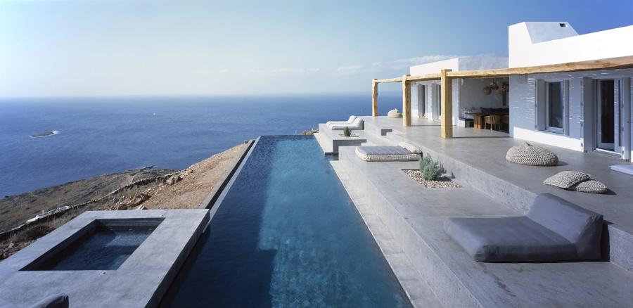 Piscinas infinitas para fundirse con el horizonte ideas for Casas en islas griegas