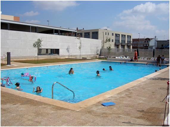 Foto piscinas municipales de benimodo de edap piscinas y for Piscina municipal avila
