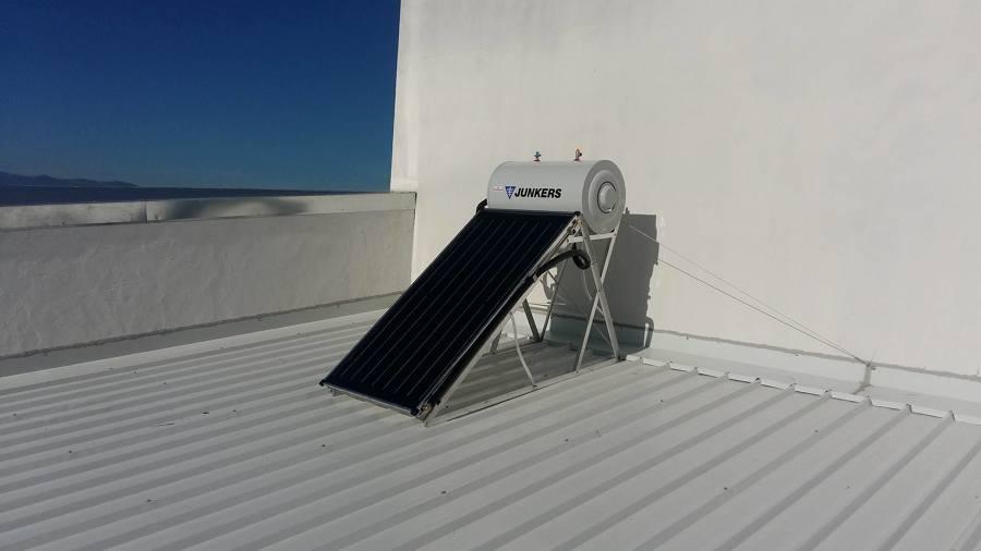 Placa solar ACS montada y puesta en marcha