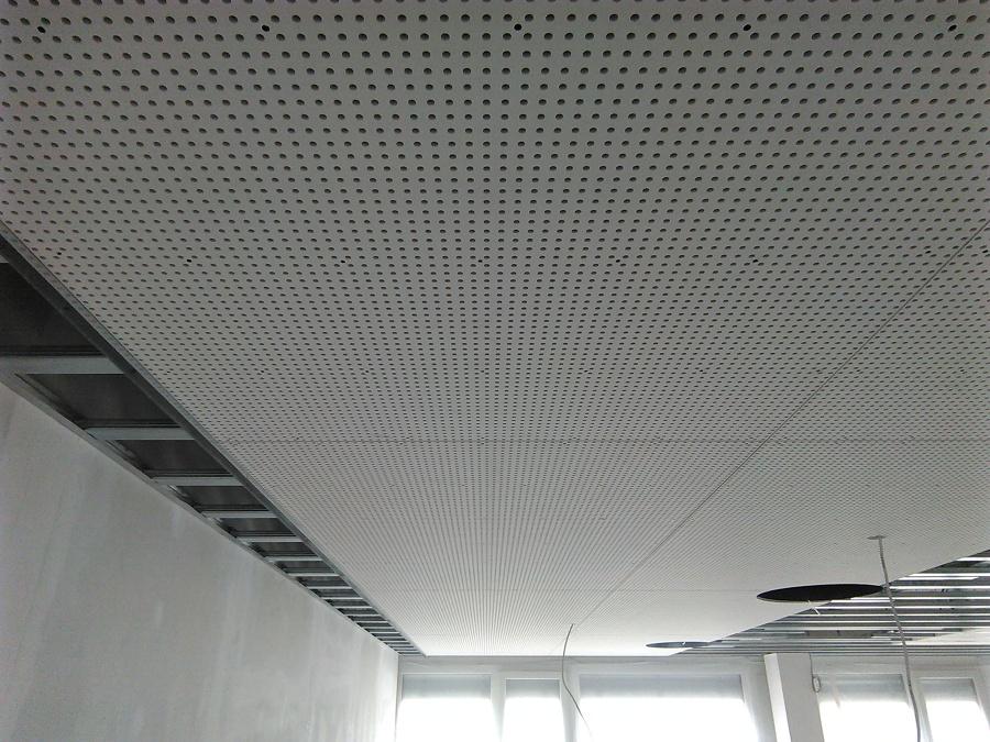 Foto placas claneo en falso techo de aislamientos nico - Placas de techo desmontable ...