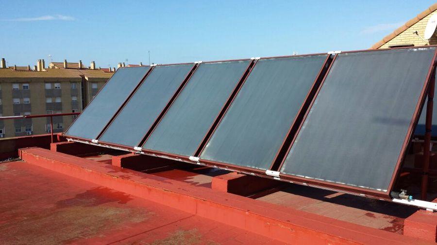 Instalaci n de placas solares para agua caliente sanitaria - Placa solar termica ...
