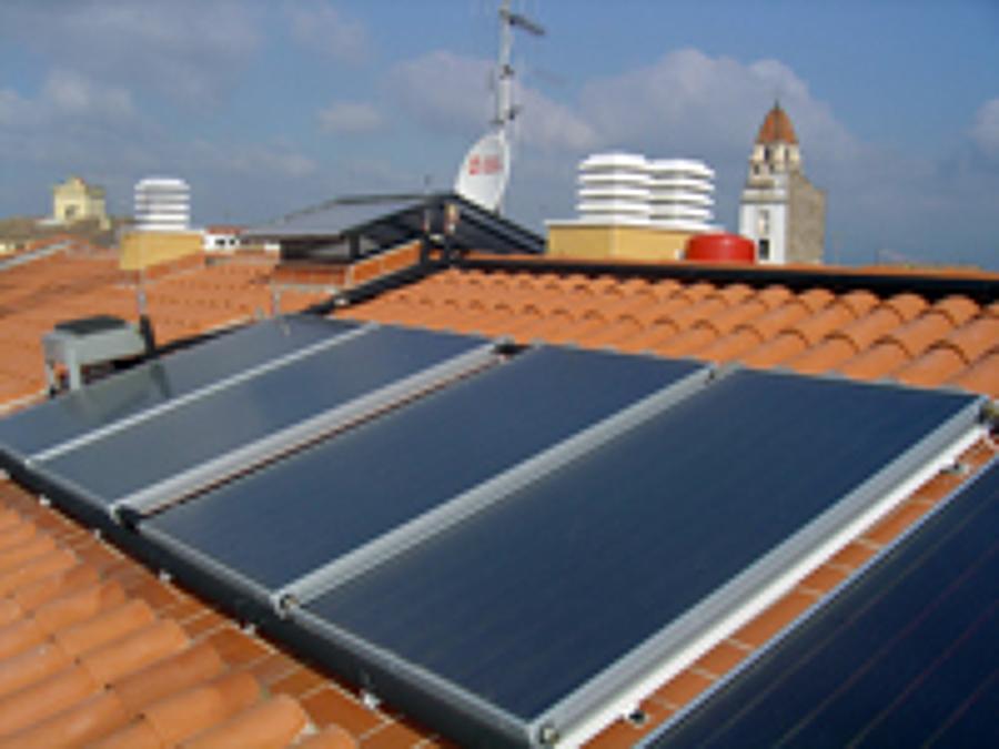 Foto placas solares de termia plus 472249 habitissimo for Placas solares barcelona