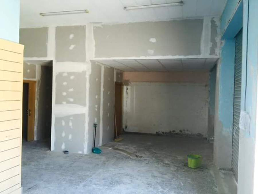 Colocacion de pladur techo desmontable y puertas en - Muros de pladur ...