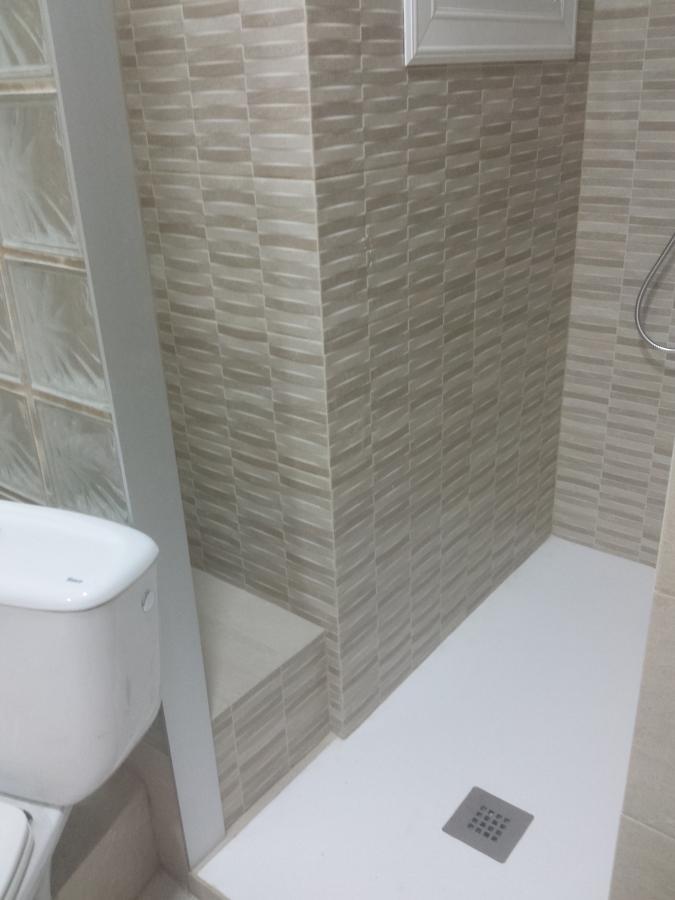 Plato de ducha compacto de resina