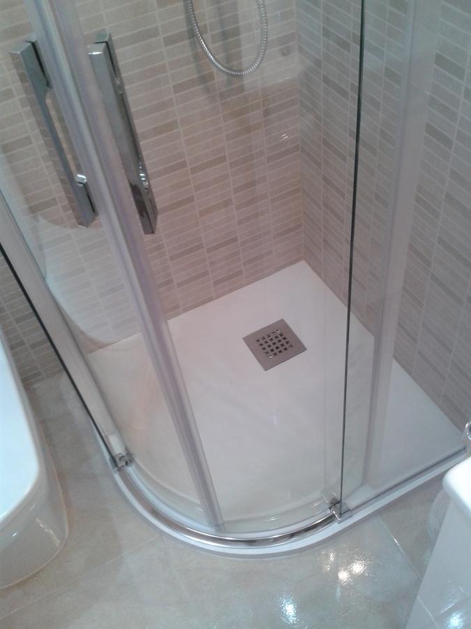 Foto plato de ducha con mampara de reforma de pisos omega - Plato ducha con mampara ...