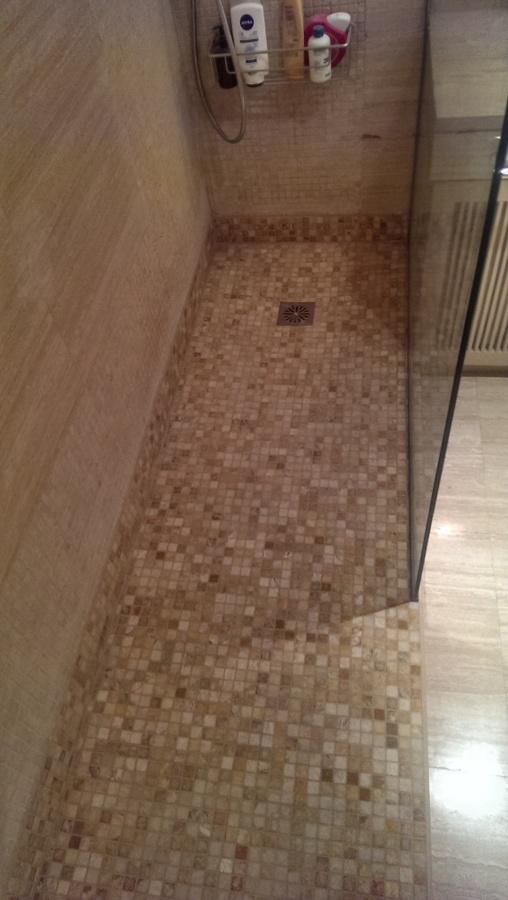 Foto plato de ducha de obra gresite de marcel 1112024 - Platos de ducha de gresite ...