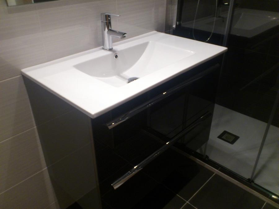Foto plato de ducha extraplano pizarra de cocinas y ba os for Plato ducha plano