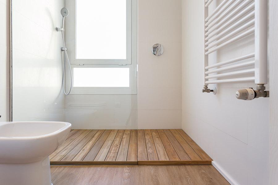 foto platos de ducha desmontables de madera de teka de
