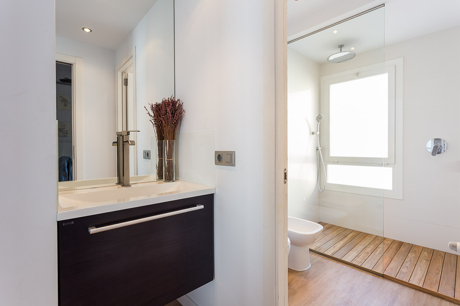 Foto platos de ducha desmontables de madera de teka de - Tarimas para ducha ...
