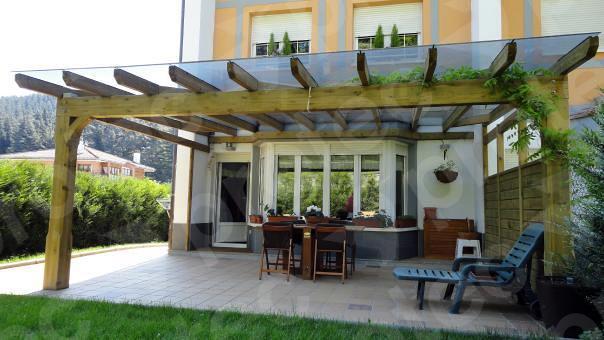 porche de madera con vidrio de seguridad ideas tejados