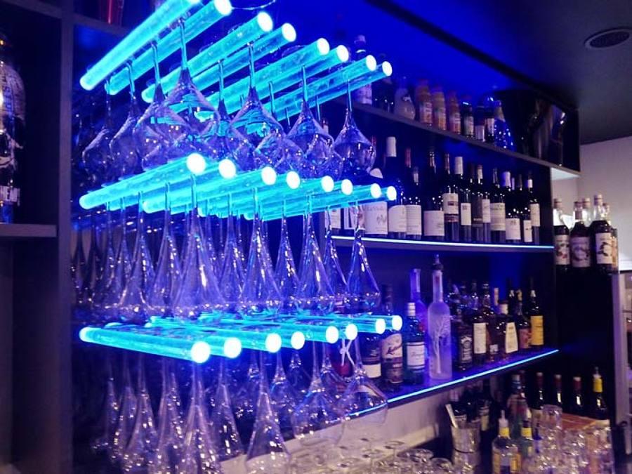 Bar pub le magic en vichy lyon francia ideas reformas - Decoracion de bares de copas ...