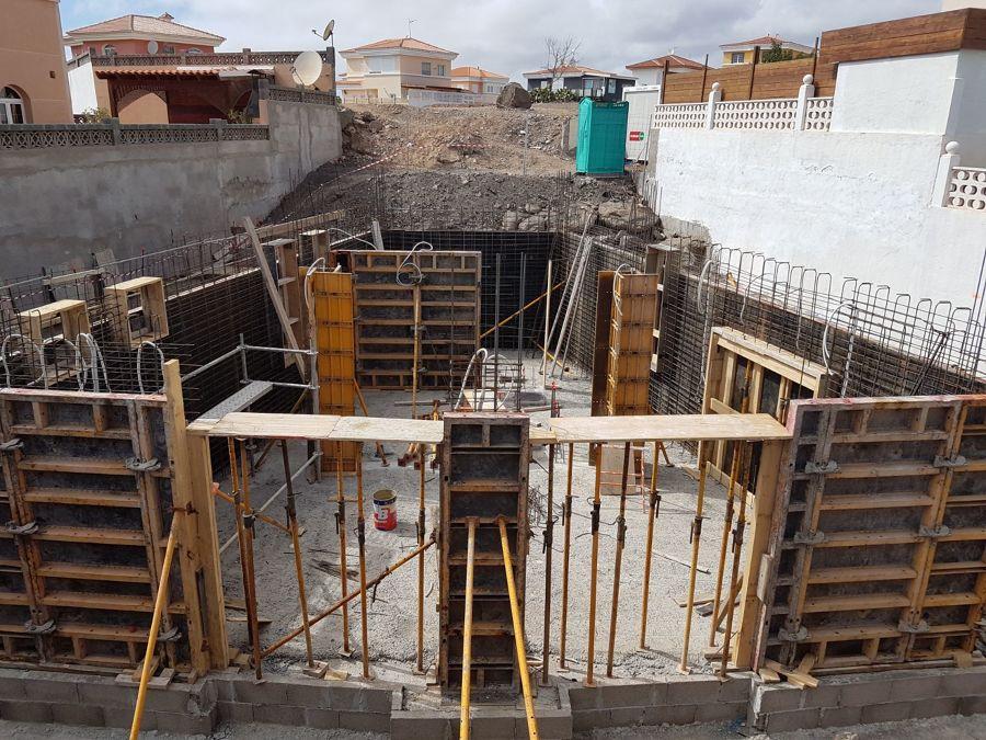 Preparación para posterior relleno de hormigón para sótano