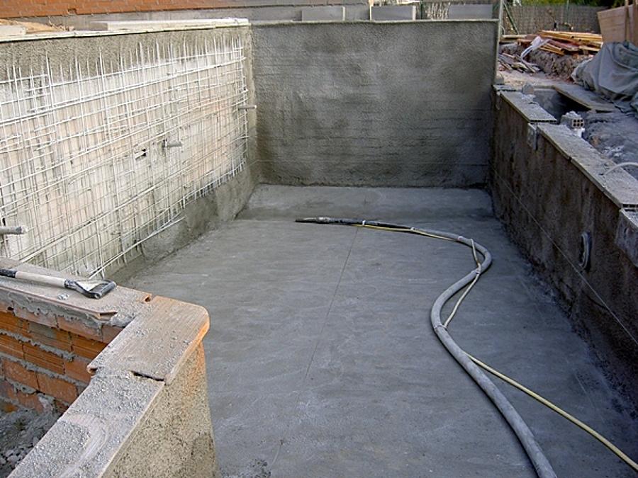 Proceso de construcci n de una piscina de obra sant just for Construccion de piscinas barcelona