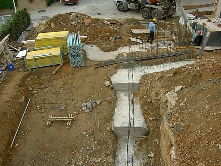 Foto proceso de construcci n de una piscina barcelona de area construction technology 1332689 - Construccion piscinas barcelona ...