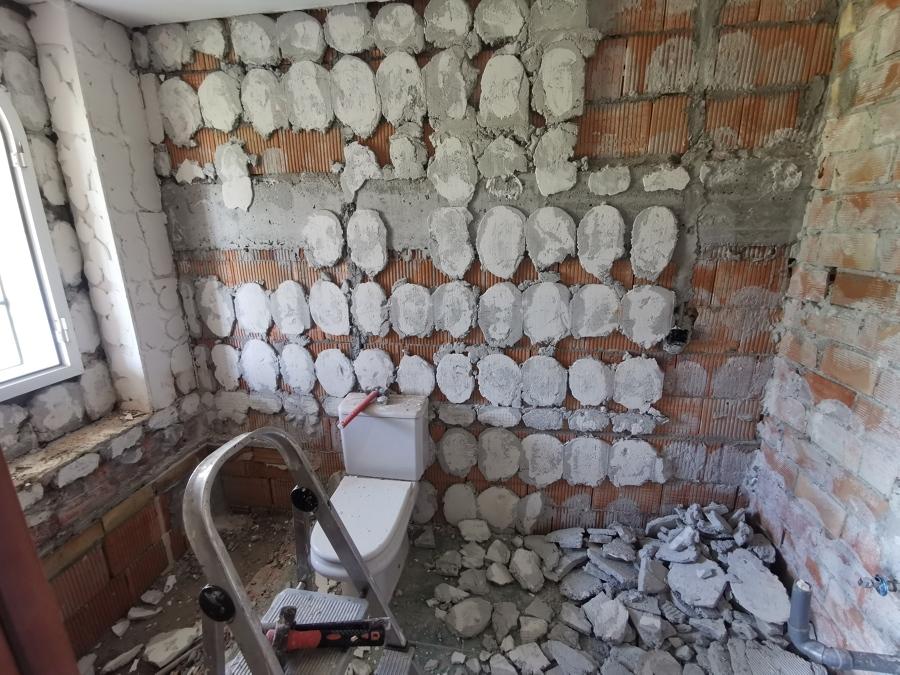 Proceso de demolición de cuarto de baño