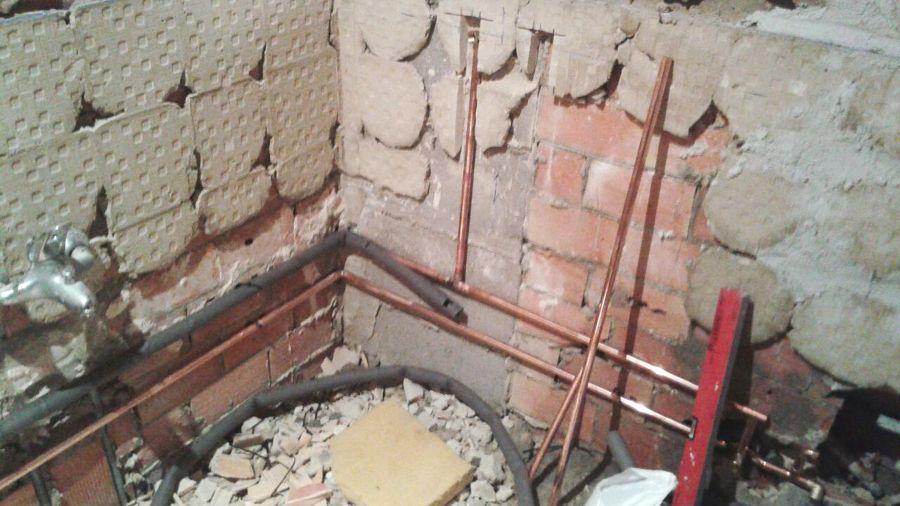 Proceso de instalación de tubería de agua