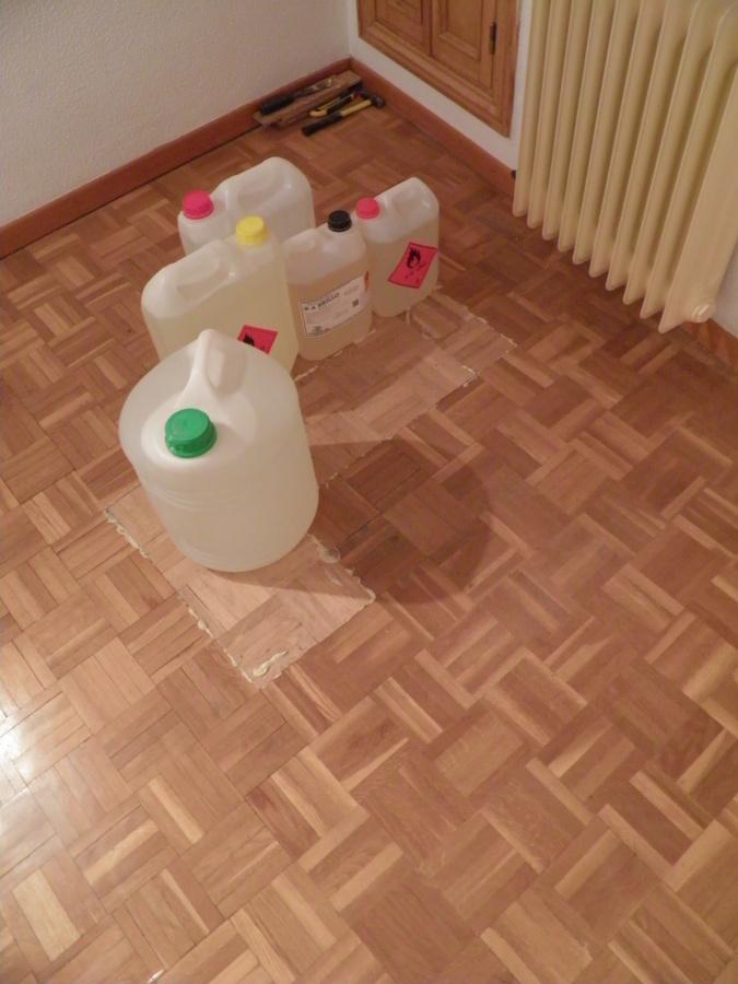 Poner parquet en suelo y escaleras ideas reformas viviendas - Poner parquet en casa ...