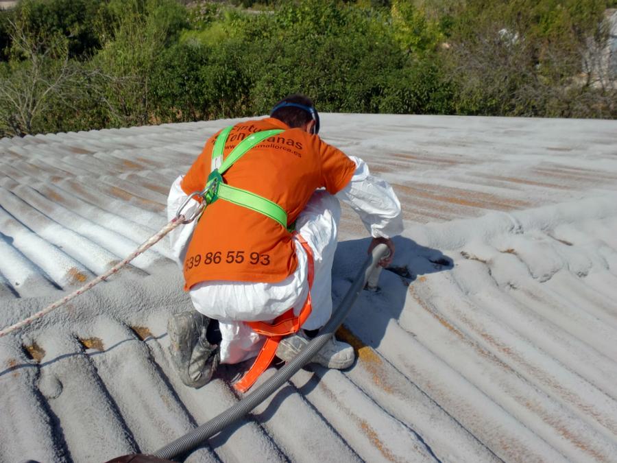 Proyeccion de caucho sobre cubierta ondulada